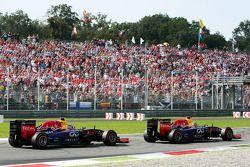 Sebastian Vettel, Red Bull Racing RB10 devant Daniel Ricciardo, Red Bull Racing RB10