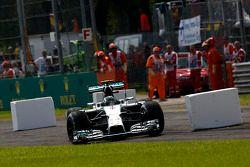 Nico Rosberg, Mercedes AMG F1 W05 runs through the first chicane