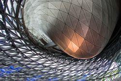 BMW Welt: il vetro a doppio cono