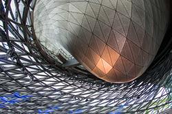 宝马世界内部:玻璃双锥体