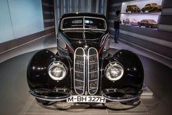 1938 BMW 327/28