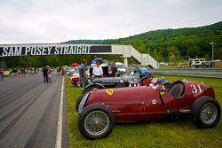 周日的竞赛公园,一辆1931的阿尔法·罗密欧 Tipo B P3