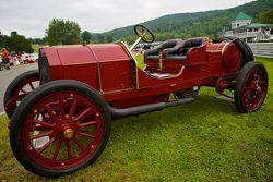 周日的竞赛公园,一辆1907的菲亚特Targa Florio Corsa