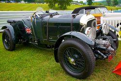 周日的竞赛公园,一辆1929的Birkin Blower宾利,来自拉尔夫·劳伦的收藏