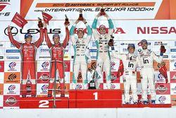 Podio: vincitori Kazuki Nakajima, James Rossiter, secondo posto Tsugio Matsuda, Ronnie Quintarelli,