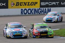 Colin Turkington, eBay Motors en Sam Tordoff MG KX Clubcard Fuel Save