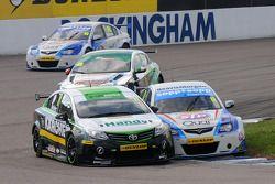 Simon Belcher, Handy Motorsport e Dan Welch, STP Racing con Sopp + Sopp