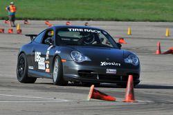 #186 Porsche GT3: G.J. Dixon