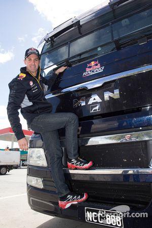 Jamie Whincup bestuurt de Red Bull Holden-vrachtwagen