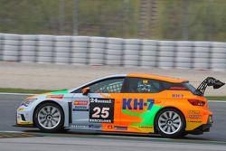 #25 Monlau Competicion Seat Leon Cup Racing: Laia Sanz, Francesco Gutierrez