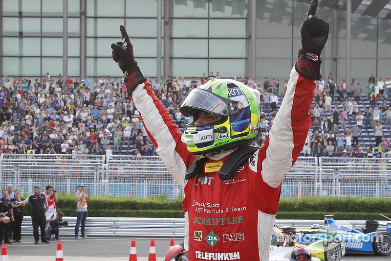 Ganador de la carrera Lucas di Grassi, Audi Sport ABT