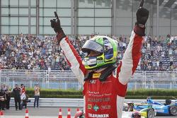 Il vincitore della gara Lucas Di Grassi, pilota del team Audi Sport ABT