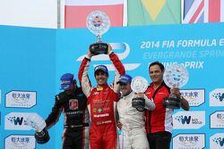 Podium: race winner Lucas di Grassi, second place Franck Montagny, third place Sam Bird