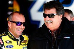 马可·安布罗西和NASCAR主席迈克·海尔顿