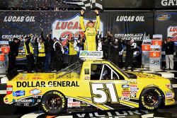 Vainqueur: Kyle Busch heureux