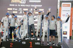 Winnaars Sébastien Ogier en Julien Ingrassia, tweede plaats Jari-Matti Latvala en Miikka Anttila, de
