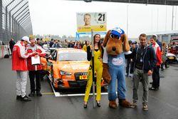 Jamie Green, Audi Sport Team Rosberg, Audi RS 5 DTM, grid girl, Lausitzring mascot