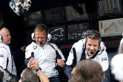 Stefan Reinhold , BMW Team RMG celebra campeonato com equipe