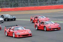 La Ferrari, Enzo e F40 na pista