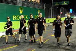 罗曼·格罗斯让, 路特斯F1车队, 走赛道