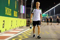 Trackwalk: Marcus Ericsson, Caterham