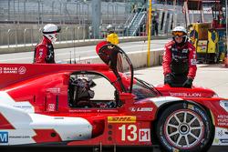 遇到问题,#13 Rebellion Racing Rebellion R-One - 丰田: Dominik Kraihamer, Andrea Belicchi, Fabio Leimer