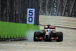 罗曼·格罗斯让,路特斯F1赛车E22,制动时锁死