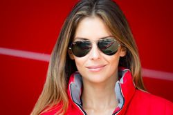 Affascinante ragazza Kessel Racing
