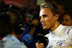 玛鲁西亚F1车队车手马克斯·齐尔顿和媒体