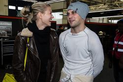 Laurens Vanthoor com sua namorada