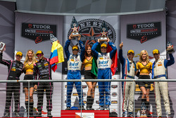 P组领奖台:第一名Scott Pruett, Memo Rojas, 第二名 Gustavo Yacaman, Alex Brundle, 第三名 Joao Barbosa, Christian Fittipaldi