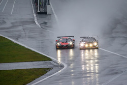 #1 比利时 奥迪 Club Team WRT 奥迪 R8 LMS Ultra: 塞萨尔·拉莫斯, 劳伦·范瑟尔, 克里斯托弗·米斯 和 #99 ART Grand Prix 迈凯伦 MP4-12C: