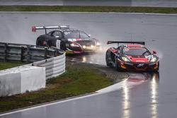 #99 ART Grand Prix 迈凯伦 MP4-12C: 安迪·索切克, 凯文·科留斯, 凯文·埃斯特雷 领先 #1 比利时 奥迪 Club Team WRT 奥迪 R8 LMS Ultra: