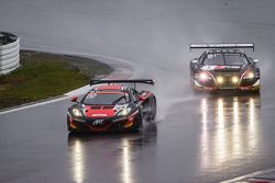 #99 ART Grand Prix McLaren MP4-12C: Andy Soucek, Kevin Korjus, Kevin Estre leads #1 Belgian Audi Clu