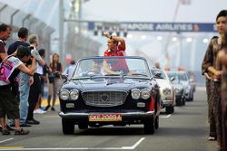 Max Chilton, Marussia F1 Team en el desfile de pilotos