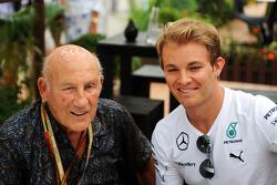 Stirling Moss con Nico Rosberg, Mercedes AMG F1