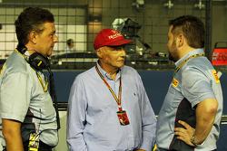 Mario Isola, Manager de carreras de Pirelli con Niki Lauda, Mercedes Presidente no ejecutivo y Paul