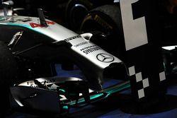 Mercedes du vainqueur Lewis Hamilton dans le parc fermé