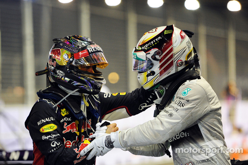 Из команд чаще всех в Сингапуре выигрывали Red Bull и Mercedes – на их счету по три победы