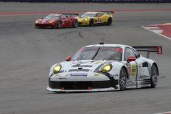#910 Core Autosport Porsche 911 RSR: Frederic Makowiecki, Patrick Pilet