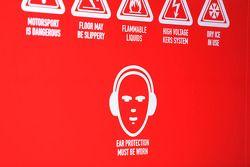 Signe indiquant qu'il faut porter des protections pour les oreilles