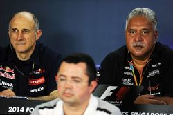 Franz Tost, Scuderia Toro Rosso Team Principal with Eric Boullier, McLaren Racing Director and Dr. V