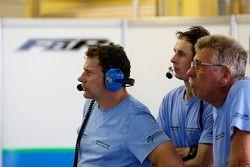 Mécaniciens du Farnbacher Racing