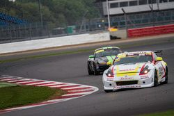 #22 Nissan GT Academy Team RJN Nissan 370Z: Ahmed Binkhannen, #88 Newbridge Motorsport Porsche Boxst