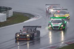 #15 Boutsen Ginion BMW Z4: Karim Ojjeh, Olivier Grotz ; #22 Team Parker Racing Audi R8 LMS Ultra: Ian Loggie, Julian Westwood