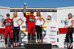 TCA winnaarspodium: 2e plaats Jason Wolfe, 1e plaats Nic Jonsson