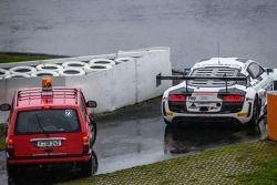 #26 Sainteloc Racing Audi R8 LMS Ultra: Stéphane Ortelli, Edward Sandström, Grégory Guilvert : En difficulté