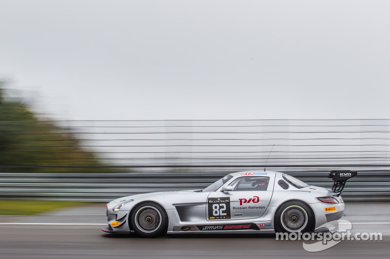 #82 GT Rusya Takımı Mercedes SLS AMG GT3: Alexey Vasiliev, Karim Al Azhari, Marko Asmer
