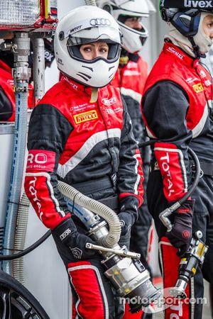 比利时奥迪俱乐部WRT车队加油工