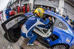 进站:#14 Emil Frey Racing G3 Jaguar: Jonathan Hirschi, Gabriele Gardel, Fredy Barth, Emil Frey